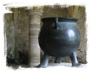 The iron pot at Lacock Abbey ©vcsinden2011