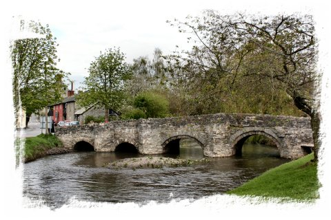 The old bridge at Clun ©vcsinden2012