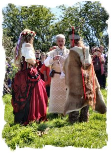 Handfasting - renewing the vows - Glastonbury Beltane ©vcsinden2012