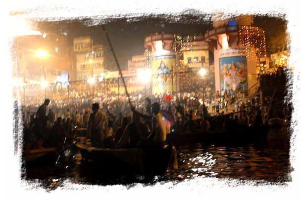 Varanasi - full moon night November ©vcsinden2011