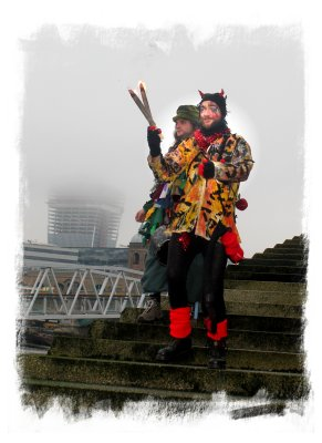 Twelfth Night - Beelzebub waits for the Green Man's boat on the steps of the Thames ©vcsinden2013