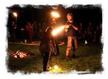 Dusk & Dark & Dawn – fire ceremony ©vcsinden2013