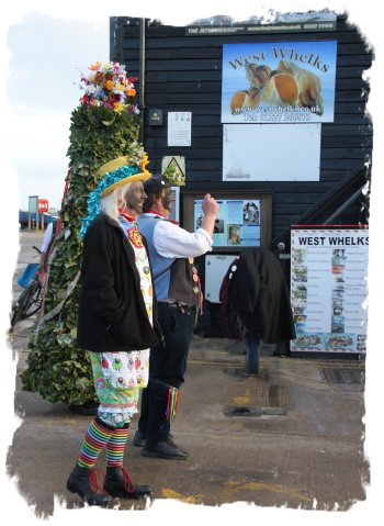 Whitstable May 1st dawn rising – Dead Horse Morris ©vcsinden2017