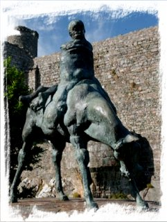 Two Kings statue at Harlech Castle