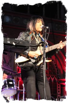 Buffy Sainte Marie - live at Islington Chapel, June 2011