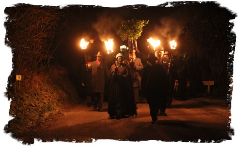 Cutty Wren Procession- Suffolk  © vcsinden2011