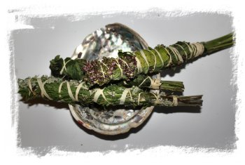 Smudge sticks made with marjoram, mugwort and rosemary ©vcsinden2012