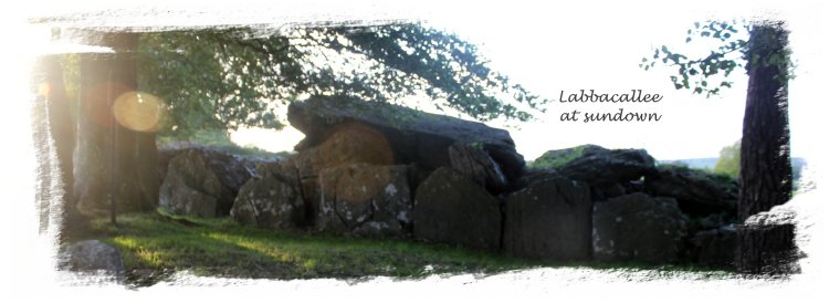 Labbacallee at Sundown, wedge tomb ©vcsinden2011